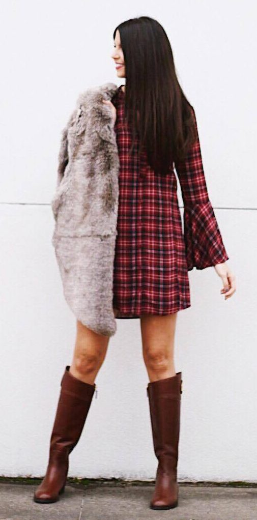 thanksgiving outfit ideas plaid dress with fur vest